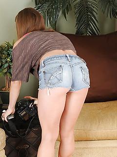 MILF Shorts Pics